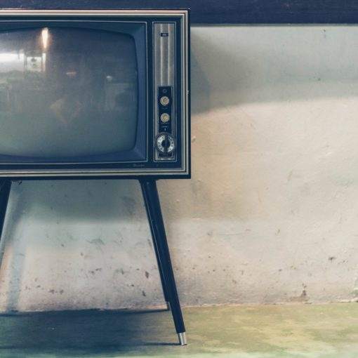 photo of vintage television set in relation to tv license